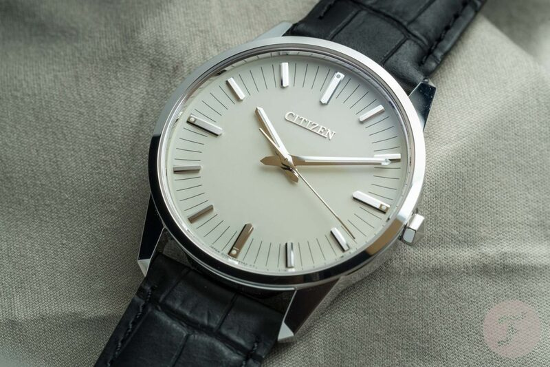 Hands-on With The White Gold Citizen Caliber 0100