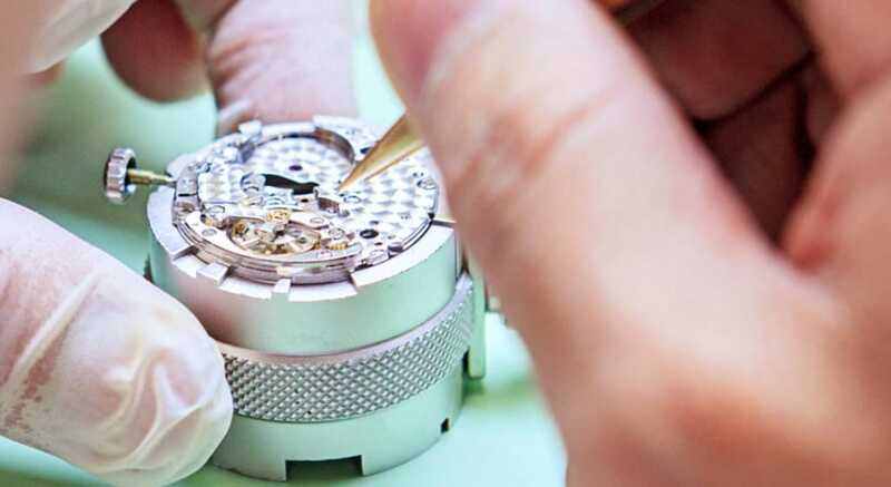 How To Spot a Fake Rolex – The Official Guide